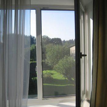 Москитная сетка для окна ПВХ.