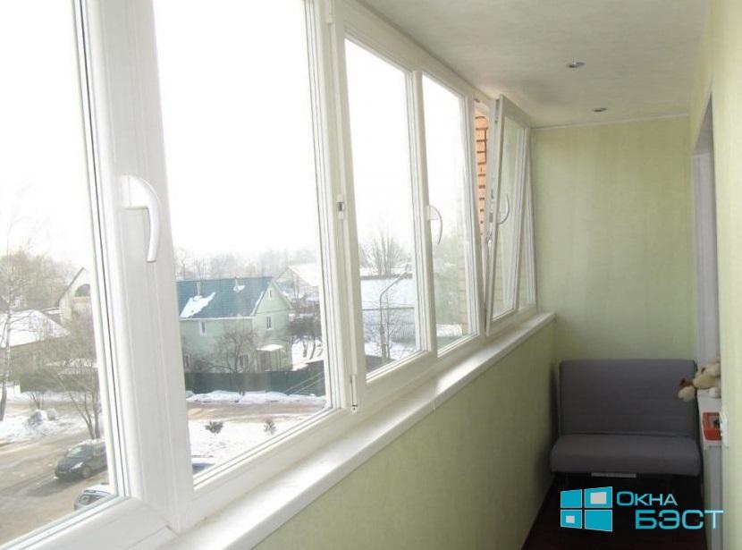 Остекление лоджии в Томске. Отделка балкона пластиковыми панелями под ключ, теплый пол на балконе. Полный комплекс по остеклению лоджии.