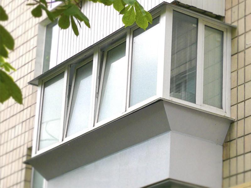 Отделка парапета п образного балкона. - металлопластиковые о.