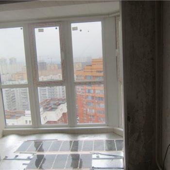 Объединение балкона и французское остекление. Теплый пол.