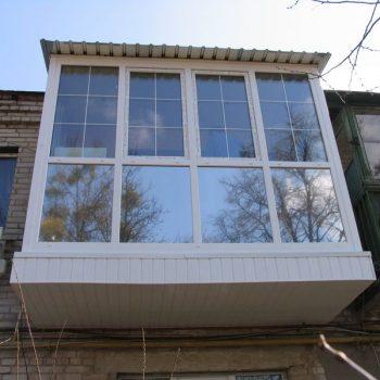 Французское остекление балкона в Томске.