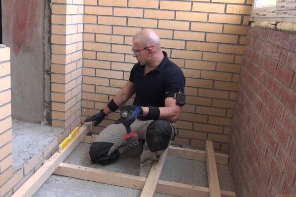 Ремонт балконов в Томске. Качественный ремонт пластиковых окон в Томске дешево. Гарантия на все услуги.