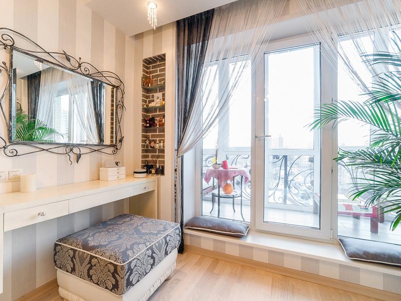 Французское окно, фото работ французского остекления в Томске. Установка окна в пол, пластиковые окна от производителя. Установка, гарантия.